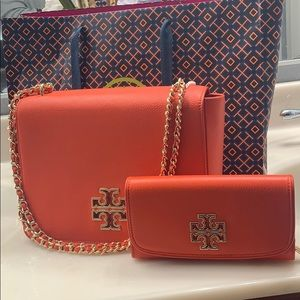 NWT Tory Burch Multi-way shoulder bag and wallet
